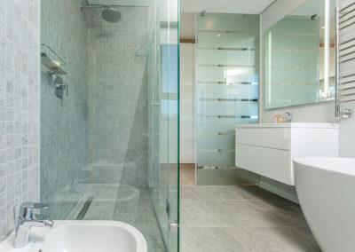 Montague Ridge House bathroom